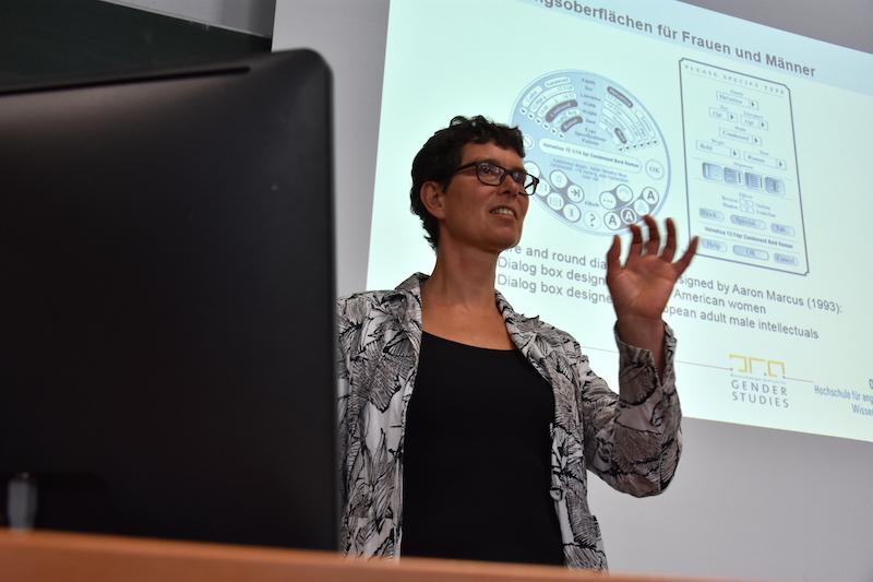 Prof. Corinna Bath hat seit 2012 eine Maria-Goeppert-Mayer-Professur für Gender, Technik und Mobilität inne.