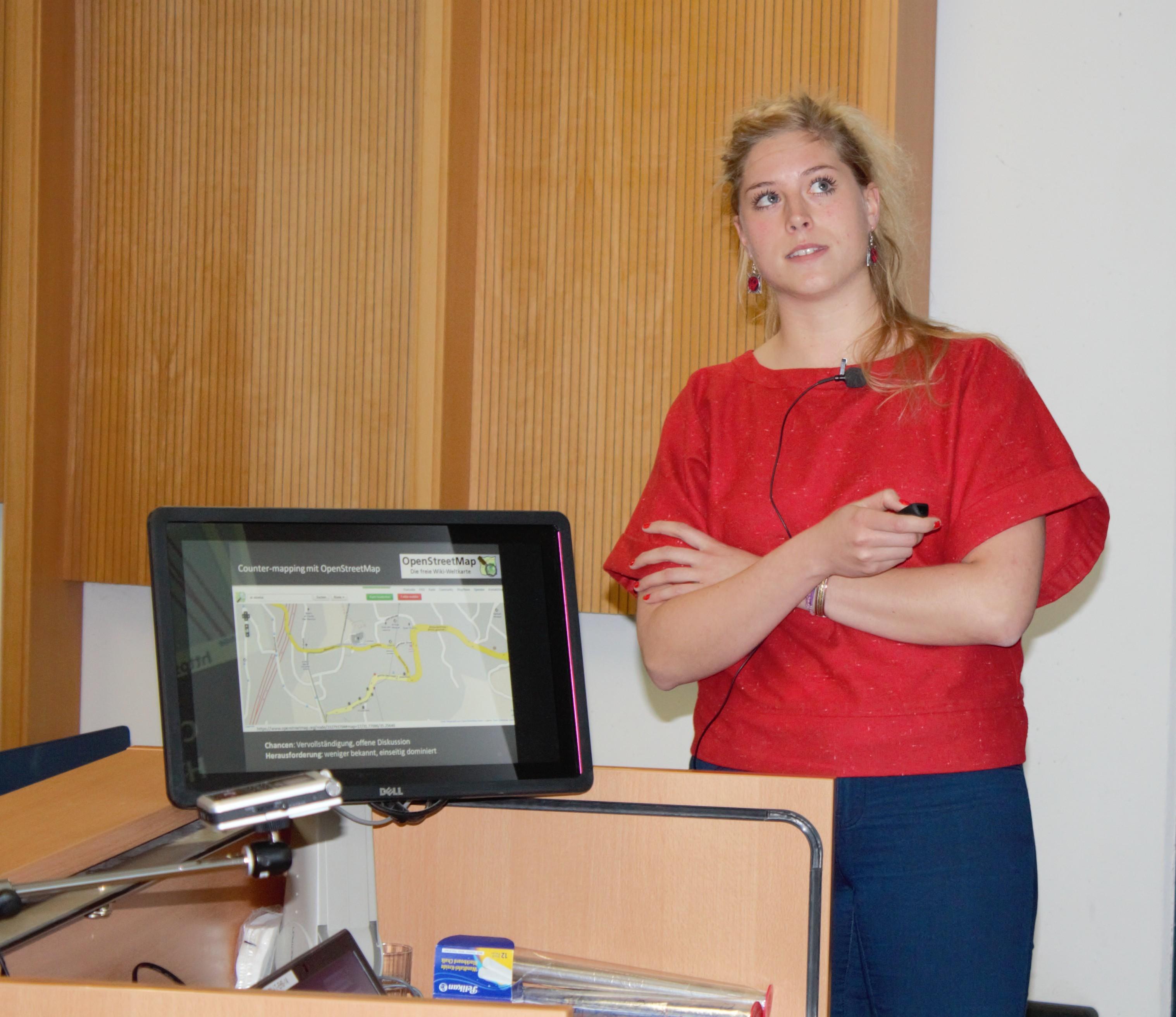 Lena Siedentopp erklärt ihre Arbeit: Kartografie von Jerusalem