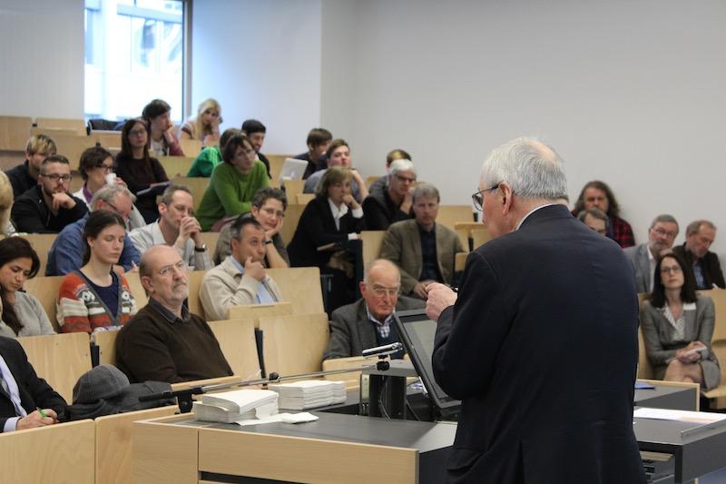 Schon zu Beginn des Vortrags von Pof. Töpfer geht er auf die Nachhaltigkeit im Anthropozän ein