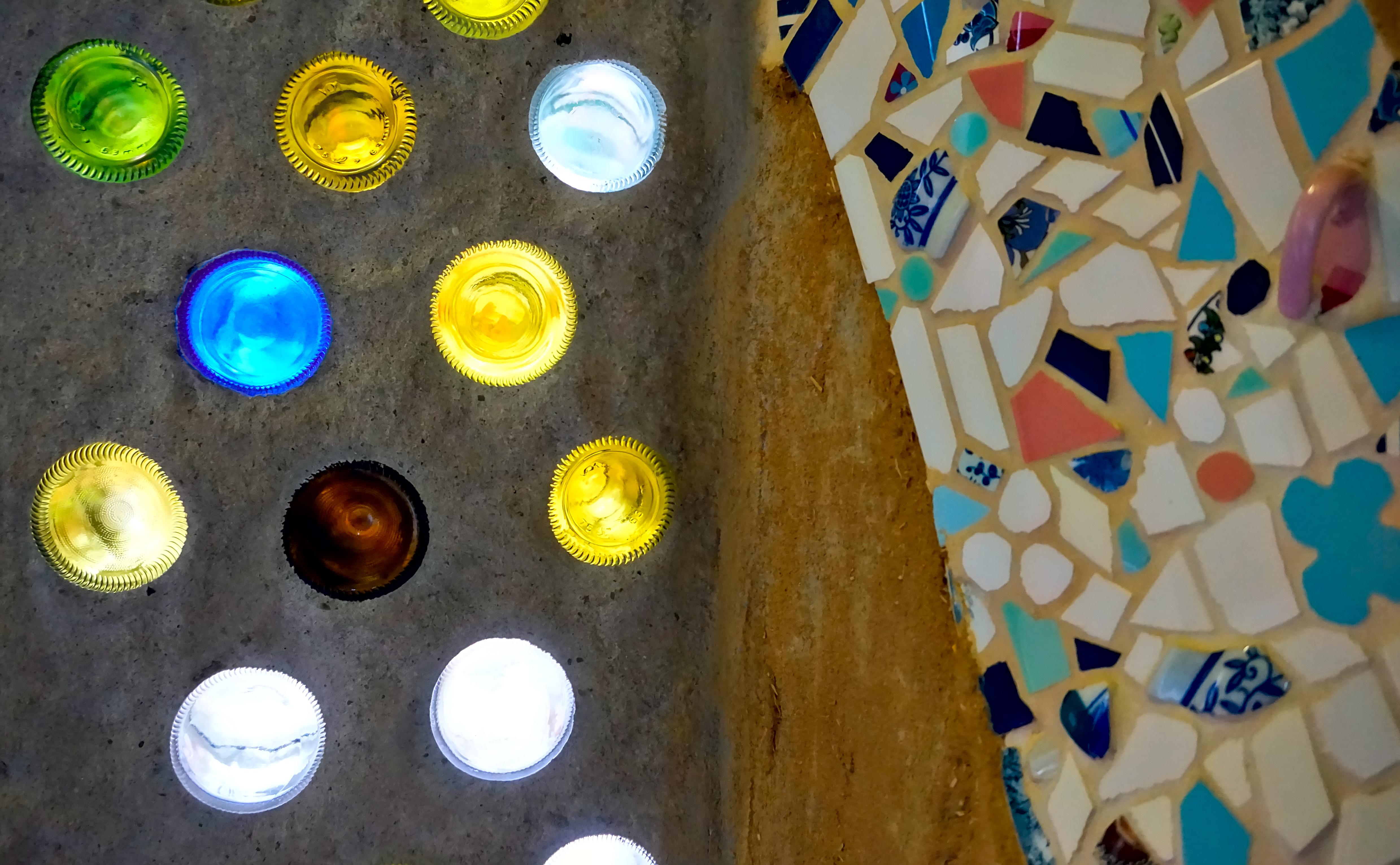 Altglas und Mosaik