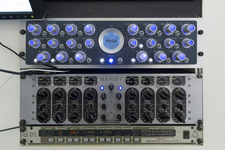 Mastering-Hardwaregeräte Elysia Alpha Kompressor und Manley Massive Passive Equalizer