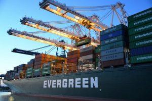 An großen Umschlagplätzen ist es unmöglich, jeden einzelnen Container auf Schmuggelware zu überprüfen.