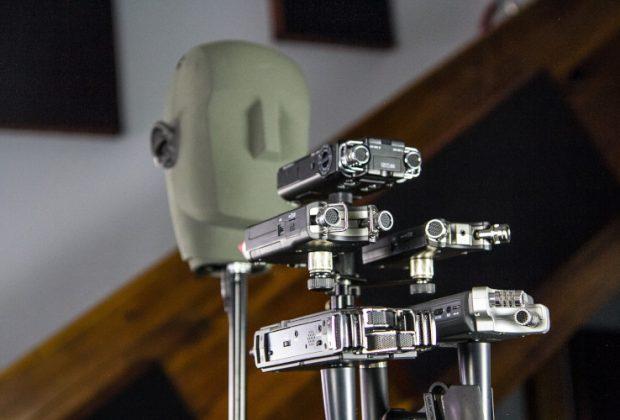Stereo-Aufnahmegeräte und ein Kunstkopfmikrofon