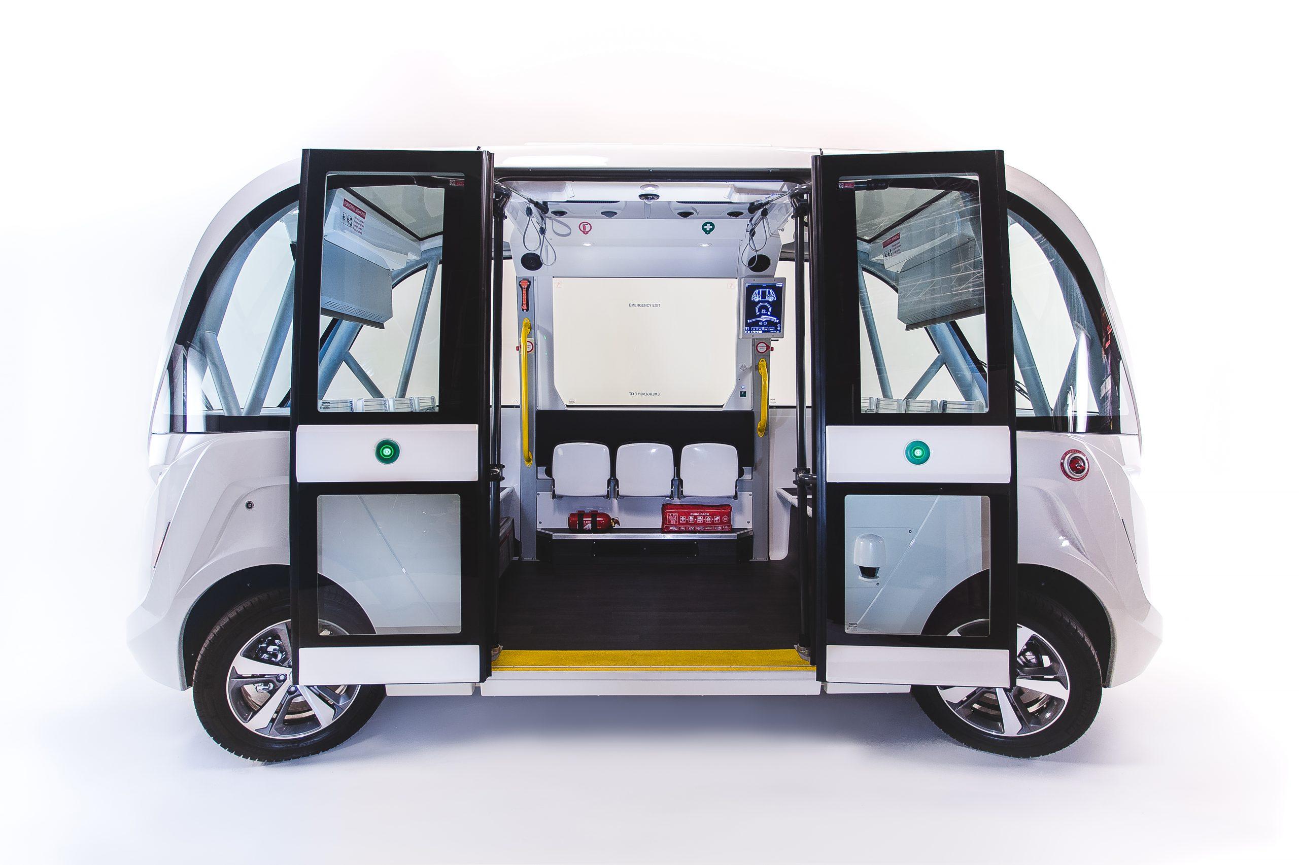 Autonome Busse - Seitenansicht und Innenansicht