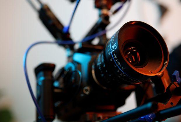 Eine professionelle Filmkamera